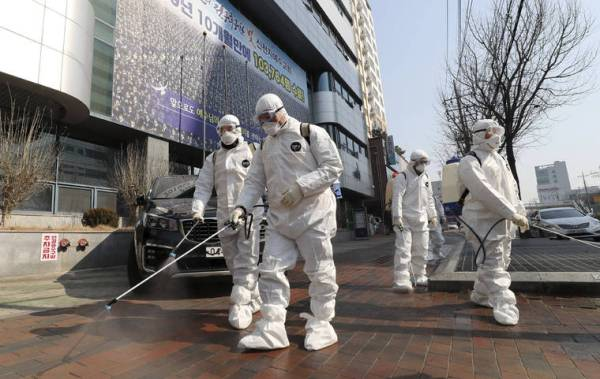 South Korea reports first coronavirus death as 2.5M urged to stay home