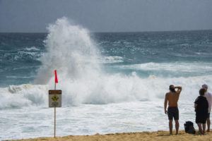 STAR-ADVERTISER FILE                                 The National Weather Service said increasing trades, along with short-to-moderate, easterly waves will result in surf above 8 feet along exposed east facing shores through Thursday.