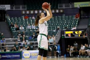 ANDREW LEE / FEB. 13                                 Hawaii's Lauren Rewers tied her career high of 17 points to lead the Wahine.