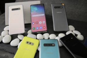ASSOCIATED PRESS / 2019                                 A selection of the new Samsung Galaxy S10 smartphones during a product preview in San Francisco.