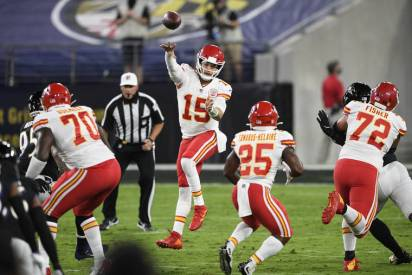 Patrick Mahomes outplays Lamar Jackson to lead Chiefs past Ravens | Honolulu Star-Advertiser