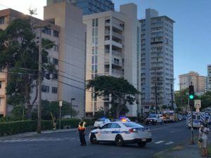 CRAIG T. KOJIMA / CKOJIMA@STARADVERTISER.COM                                 Emergency personnel responded to a call at 1154 Wilder Avenue.