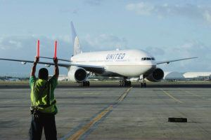 BRUCE ASATO / BASATO@STARADVERTISER.COM                                  United Airlines at United's Honolulu hangar.