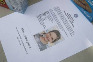 CINDY ELLEN RUSSELL / CRUSSELL@STARADVERTISER.COM                                 A flyer of Isabella Kalua is seen on a table at Waimanalo District Park, where volunteers gathered to search for her, on Sept. 14.