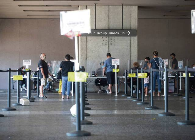 Pressure mounts in Hawaii to ease COVID-19 restrictions