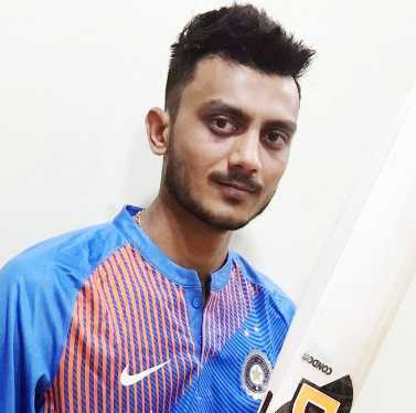 Axar Patel Height, Weight, Age, Wiki, Biography, Salary, Girlfriend, Family
