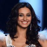 Shibani Dandekar Height, Weight, Age, Biography, Wiki, Husband, Family