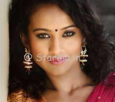 Heena Parmar Height, Weight, Age, Wiki, Biography, Boyfriend, Family