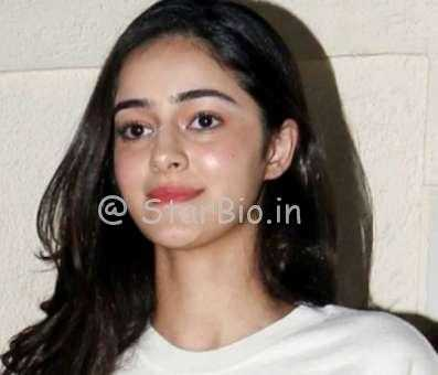 Ananya Pandey Height, Weight, Age, Wiki, Biography, Boyfriend, Family