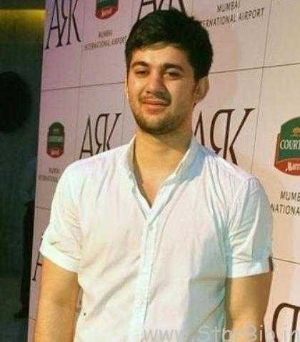 Karan Deol Biography, Age, Height, Wiki, Salary, Girlfriend, Family, Profile