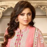 Drashti Dhami Height, Weight, Age, Biography, Wiki, Husband, Family