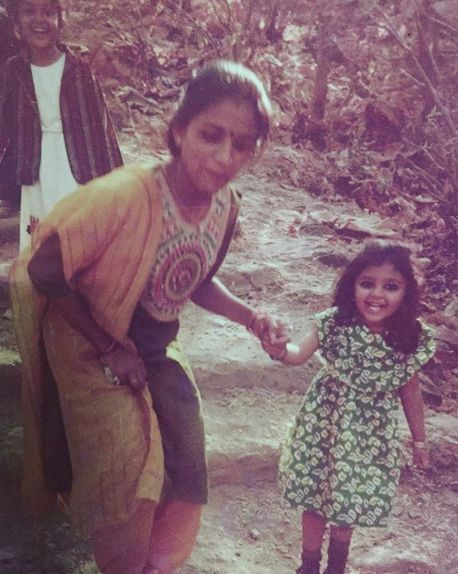 Bhoomi Trivedi with her mother in her childhood