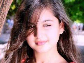 Tunisha Sharma Height, Weight, Age, Biography, Wiki, Boyfriend, Family