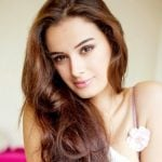 Evelyn Sharma Height, Age, Weight, Wiki, Biography, Family, Profile