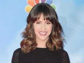 Linsey Godfrey Photo