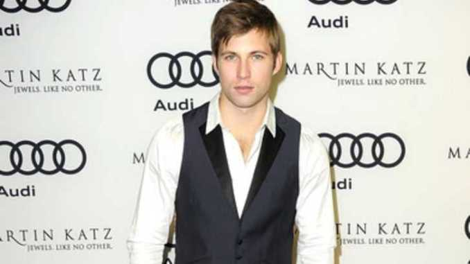 Justin Deeley's Dating, Affairs, Relationship, Girlfriend, Net Worth, Salary, Family, Facts, Wiki-Bio