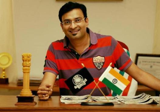 Prasanth Nair as the Collector of Kozhikode