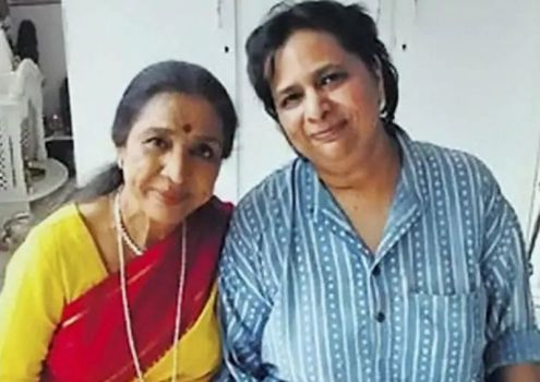 Asha Bhosle With Her Daughter, Varsha Bhosle