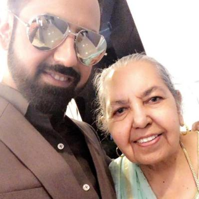 Gippy Grewal with his mother