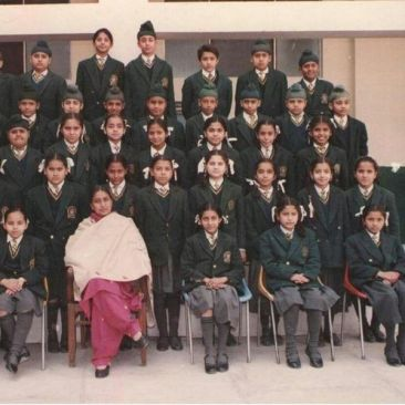 Jasmine Sandlas in her school days
