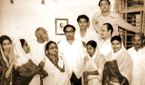 Kishore Kumar With His Family