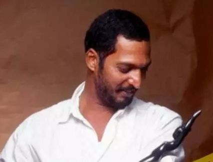 Nana Patekar With His Filmfare Award
