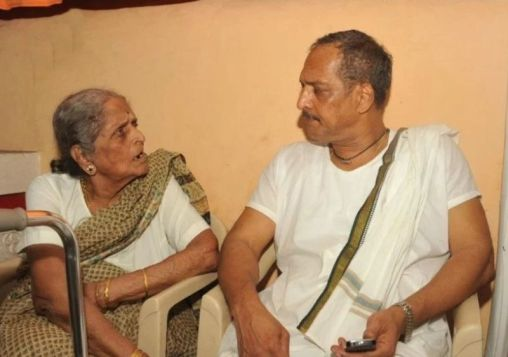 Nana Patekar With His Mother