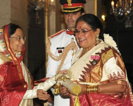 Usha Uthup Receiving Padma Shri