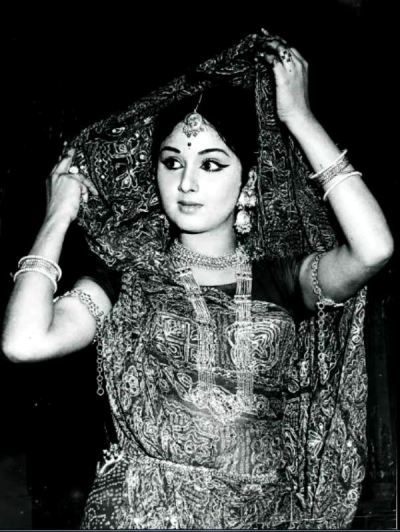 Leena Chandavarkar In An Ad Shoot