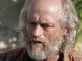 Russell Hodgkinson possesses a net worth of $200,000 as of 2019.