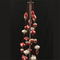 starbucks-ism-ornament-tree-display-2
