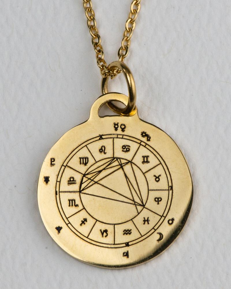 pendant-gold-front-800-1000