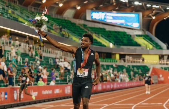 Noah Lyles at the end of Olympics