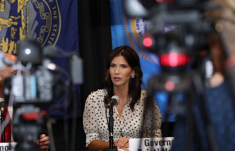 Kristi Noem at the tri state governor conference