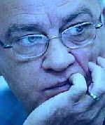 Mircea Sandu, vânăt de nervi.
