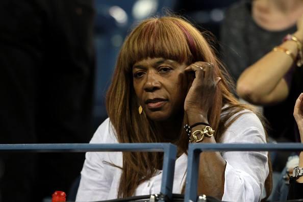 Există pe Internet unii care se întreabă dacă Oracene sau/şi Serena ori Venus nu cumva sunt un soi de femei-bărbaţi sau transsexuali. SURSA FOTO: Facebook