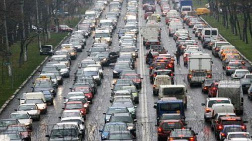 Ambuteiaj la intrarea în Bucureşti. Referendum de demitere a Gabrielei Firea