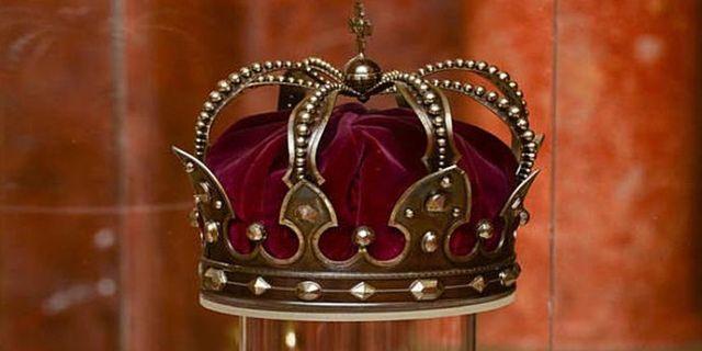 Constituţia monarhică
