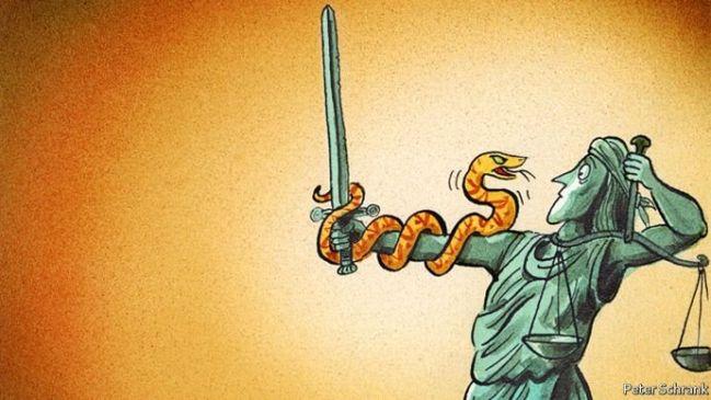subminarea democraţiei