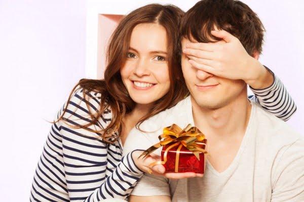 Iata 5 idei de cadouri pentru el care vor schimba atmosfera casei