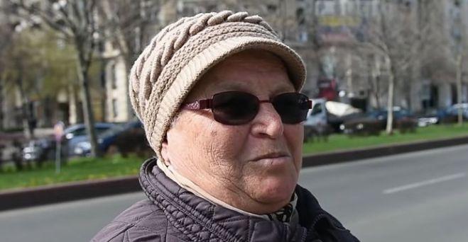 pensionarii umplu străzile