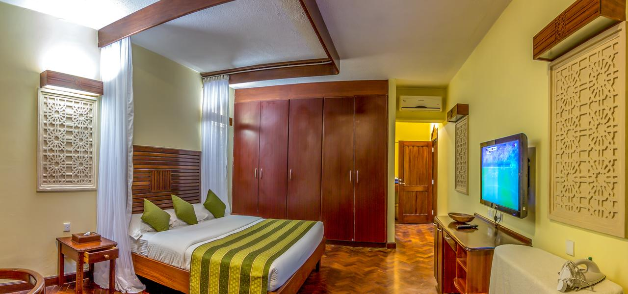 Amani Tiwi Beach Resort room