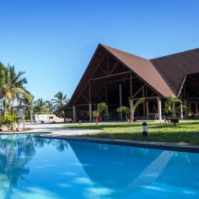 Amani_Tiwi_Beach_Resort_Pool-820x500