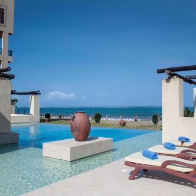 Sun Africa Beach Resort swimming pool