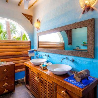 WaterLovers-Beach-Resort-Ocean-Penthouse-bathroom-700