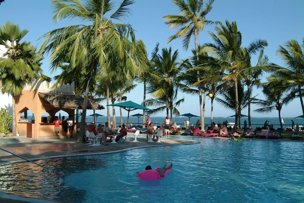 Bamburi Beach Hotel swimming pool