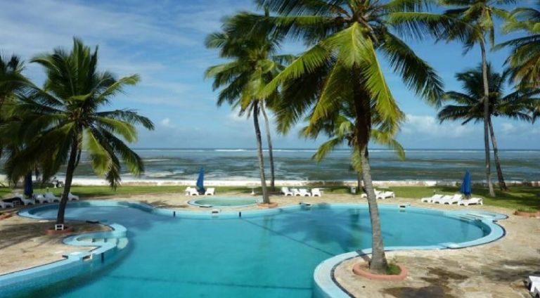 Sun N Sand Beach Resort swimming pool