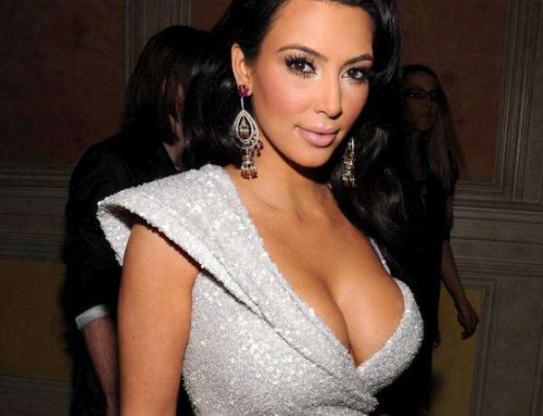 Kim Kardashian : Elle a eu envie de faire l'amour dés ses 15 ans !
