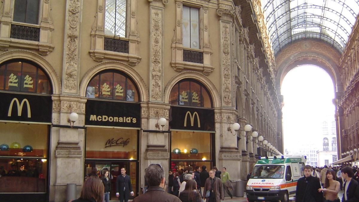 McDonald's: Annonce une action en justice contre la ville de Milan!