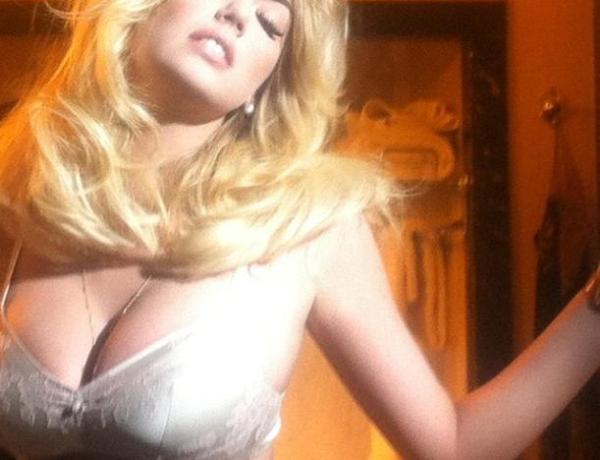 Kate Upton : Elle se dévoile sexy sur twitter !